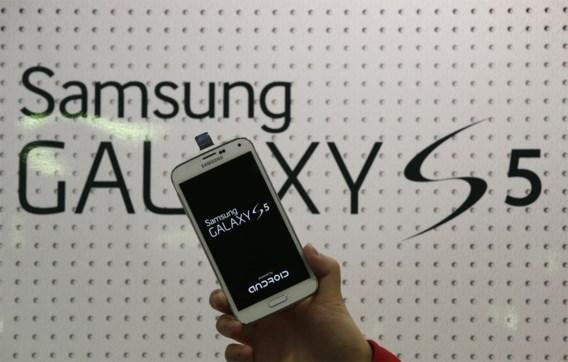Samsung Galaxy S5 verkoopt als zoete broodjes
