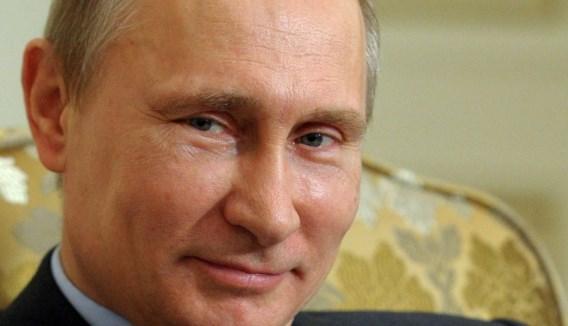 Poetin waarschuwt Merkel voor burgeroorlog in Oekraïne