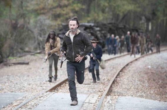De cliffhanger aan de tweede helft van het vierde seizoen van 'The walking dead' slaat alles.