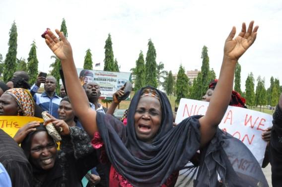 Ontvoerde Nigeriaanse schoolmeisjes gedwongen te trouwen