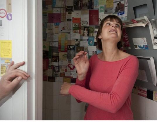 Sarah Vanhee laat je binnengluren bij kunstminnende Brusselaars.