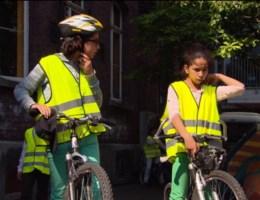Helft kinderen zet nooit fietshelm op