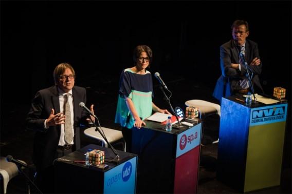 Verhofstadt: 'Ik sluit mij niet aan bij Schulz of Juncker, ik ga er zelf voor'