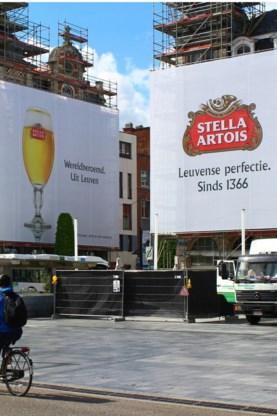 De reclamedoeken voor Stella.