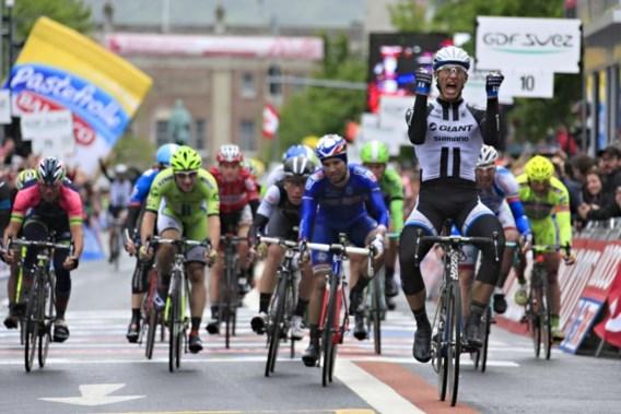 Kittel zet meteen puntjes op de i in eerste Giro-sprint