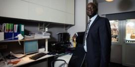 Ben Memdé, preventieadviseur bij Belfius Insurance, zoekt het gevaar op.