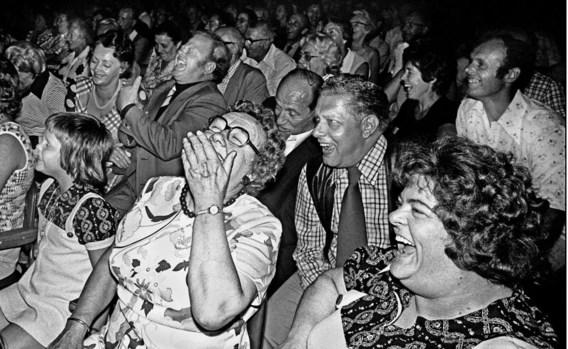 Het Britse ministerie van Cultuur, Media en Sport liet berekenen hoeveel het geluksgevoel van een theaterbezoek waard is.