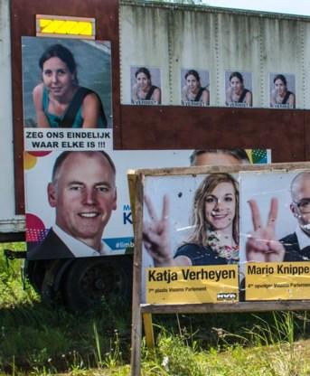 De N-VA staat voor de trailer, Open VLD kleefde op de trailer. Verkiezingspropaganda op een trailer die de aandacht moet vestigen op de zaak van de verdwenen Elke Wevers. Haar vader is daar boos over.
