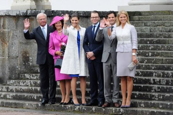 Ceremonies duwen Zweeds koningshuis in het rood