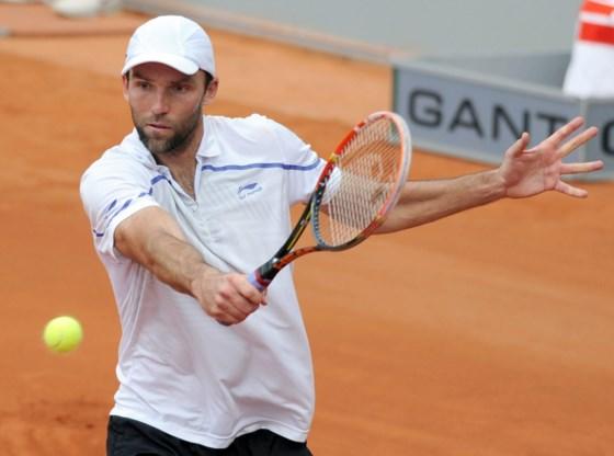 Ivo Karlovic plaatst zich als eerste voor de finale in Düsseldorf