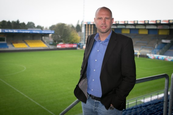 Bob Peeters verbreekt contract bij Waasland-Beveren