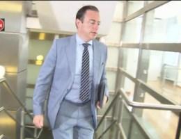 De Wever probeert pers te omzeilen