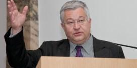 Vanhengel troeft Smet af in Brussel