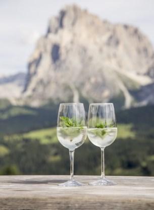 Hugo, traditioneel aperitief uit Zuid Tirol