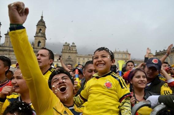Colombiaanse supporters vieren in Bogota de kwalificatie voor de achtste finales. Twintig jaar geleden leek Colombia een team van gekken, nu is het een van de best spelende ploegen.