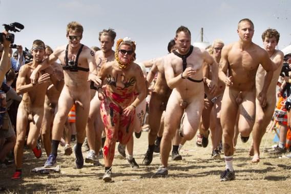 Om het hardst naakt lopen op festival van Roskilde