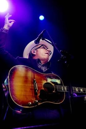 REVIEW. Elvis Costello (***) - De koning vindt zijn kroon niet
