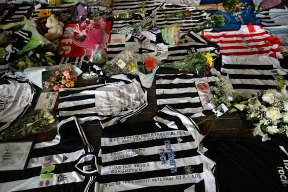 Newcastle eert verongelukte supporters die op weg waren naar hun team