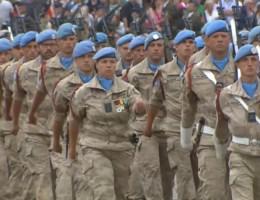 Militaire parade op Paleizenplein