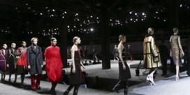 Modehuizen laten tickets voor catwalkshow veilen