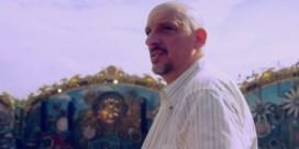 Peter Van Den Begin gaat uit de bol op Tomorrowland