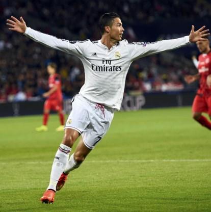 Met twee doelpunten leidde Cristiano Ronaldo Real naar winst in de Europese Supercup.