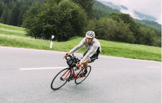 Dagenlang fietsen en tussendoor elke nacht maar drie uur slapen: Kristof Allegaert is strak gefocust.