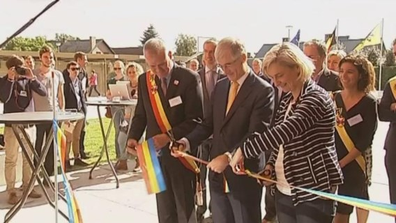Eerste schoolgebouw met publiek-private financiering open