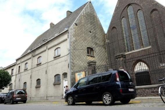 Twintigtal Roma moeten uit klooster in Gentse Muide