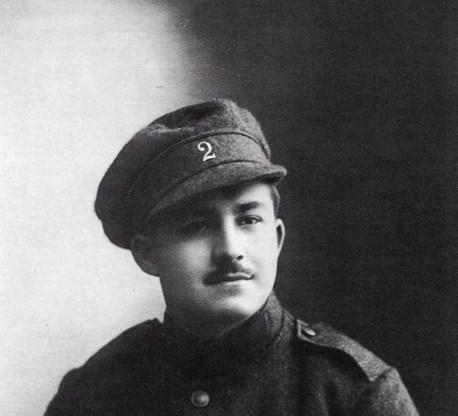 Gentenaar Raoul Snoeck, een telg uit een generatie uitgevers en drukkers, sneuvelde bij het eindoffensief in 1918. Zijn notities leven voort.