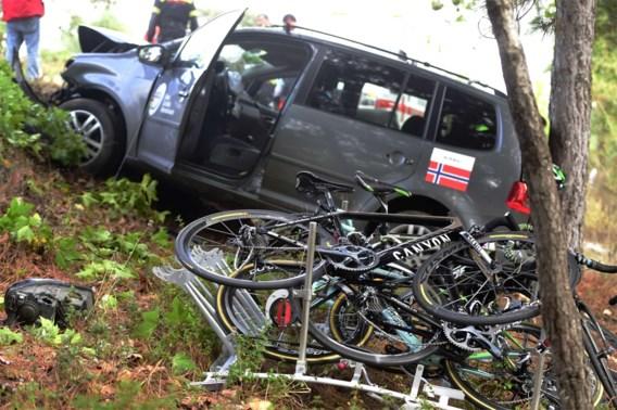Zwaargewonden na crash Noorse ploegwagen in WK