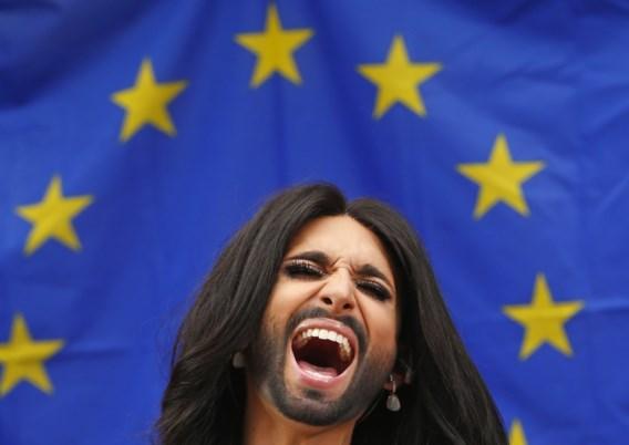 Conchita Wurst voert campagne in Europees Parlement