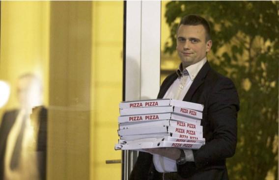 Een nachtje coalitieonderhandelingen op pizza.