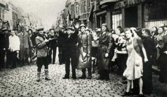 Collaborateurs in de straten van Roeselare, 8 september 1944.