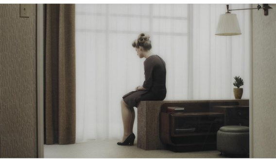 Erwin Olaf,'Irène', uit de reeks 'Grief', die het moment in beeld brengt als iemand slecht nieuws krijgt.