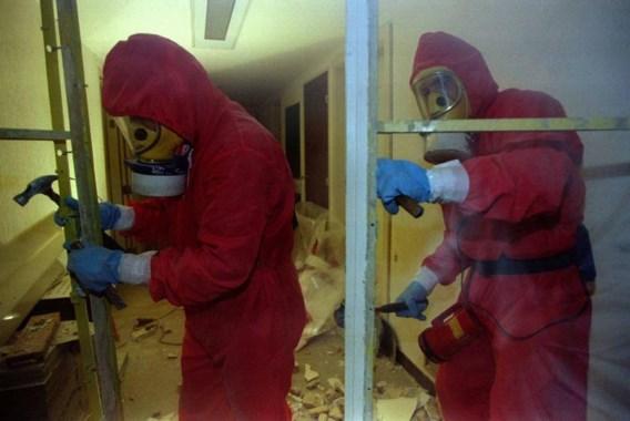 Voor grotere werkzaamheden moet je een beroep doen op een erkend aannemer of asbestverwijderaar.