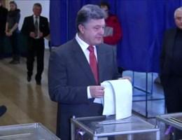 Porosjenko zelfzeker naar de stembus