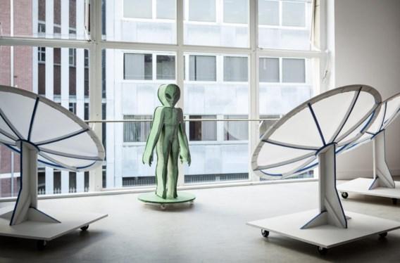 'Future fictions' toont uitvindingen die de wereldproblemen op een creatieve en bewust onrealistische manier aanpakken.