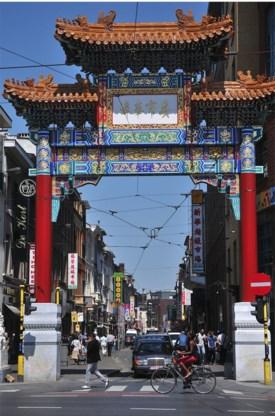 Chinatown in Antwerpen. 'Minderheidsgroepen moeten de mogelijkheid krijgen zich op discriminerende wijze zelf te organiseren.'