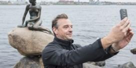 Van Dale gaat op zoek naar opvolger voor 'selfie'