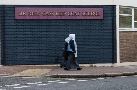 In de anglicaanse Sir John Cass-school – tot voor kort een voorbeeldschool – richten laatstejaars een 'islamitisch genootschap' op.