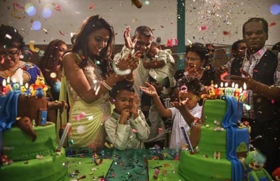 Vinesh Kalloe uit Harmelen viert zijn tweede verjaardag. Er kwamen 250 mensen naar zijn feestje. 'Niet ongewoon in de hindoecultuur', aldus vader Sanjeev.