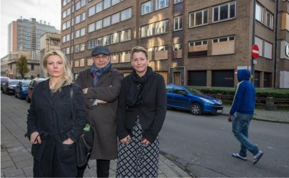 De buurtbewoners vragen dringend een oplossing voor het zwaar verkommerde Fierensblok aan de Nationalestraat in Antwerpen.