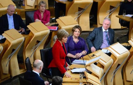 De nieuwe Schotse premier Nicola Sturgeon, die vorige week Alex Salmond opvolgde, spreekt het parlement toe.