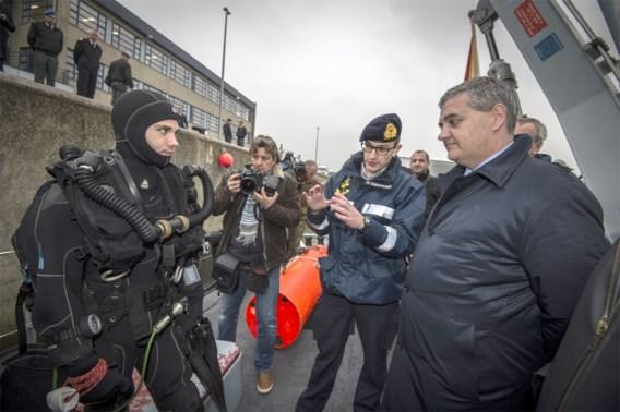 'Mensen niet klaar voor gewapende militairen in straatbeeld'
