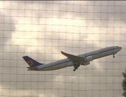 Illegale criminelen met Airbus land uit