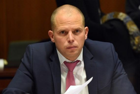 Eerste repatriëringsvlucht met illegale criminelen geland in Albanië