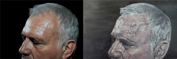 Katrijn Van Giel maakte de foto (links) van Jean-Marie Dedecker na de verkiezingen in 2010. Volgens Luc Tuymans is zijn schilderij een humoristische bewerking van de krantenfoto.