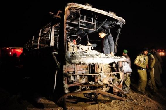 Meer dan 50 doden bij busongeval in Pakistan