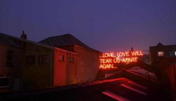 De neonversie van Joy Division...